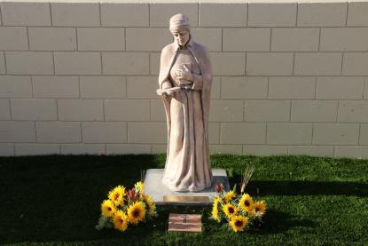 Statue Blessing/IMG_4580.JPG